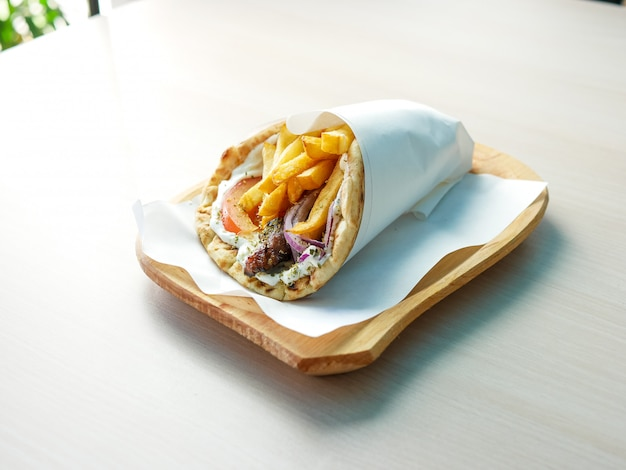 Gyros on a restaurant table Premium Photo