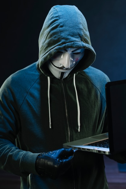 Free Photo Hacker With Anonymous Mask