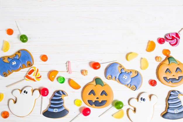 Halloween cookies between sweeties Free Photo