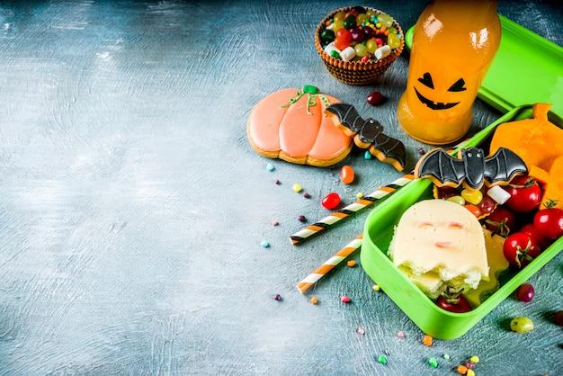 Halloween food, school lunch box Premium Photo