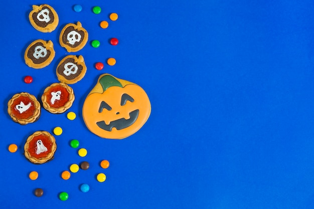 Halloween gingerbread and biscuits Free Photo