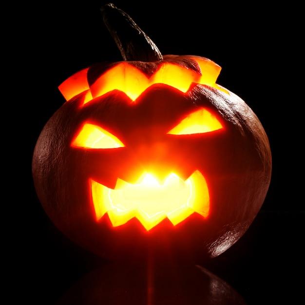 Хэллоуин тыква в огне Бесплатные Фотографии