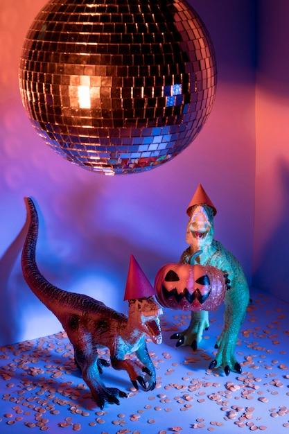 ハロウィーンのおもちゃとディスコボール 無料写真