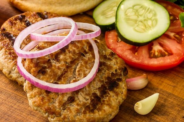 Гамбургер ингредиенты крупным планом Бесплатные Фотографии