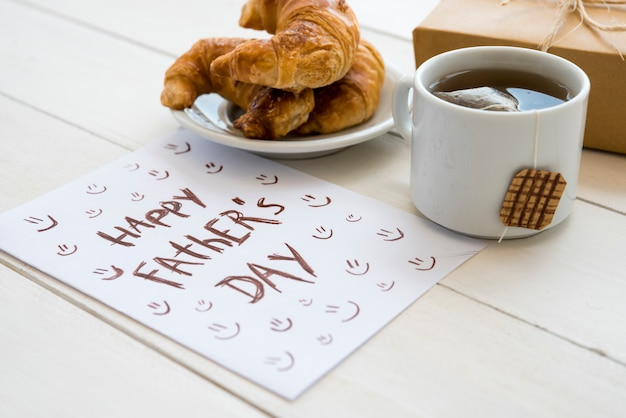 Hand drawn paper for fathers day Free Photo