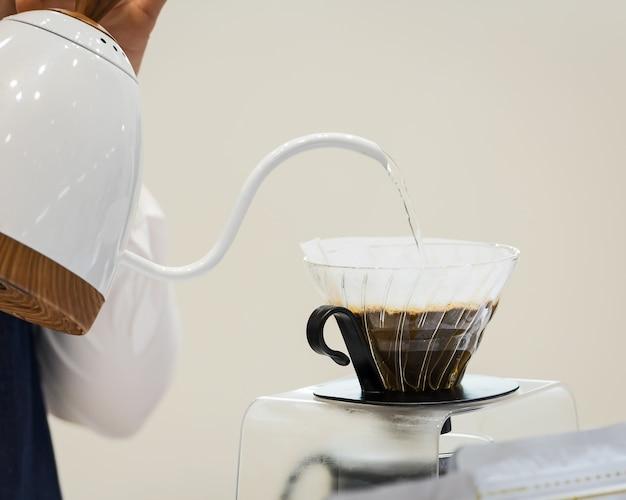 Hand drip coffee. Premium Photo