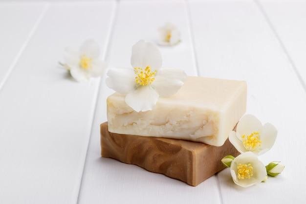 Hand made jasmine soap Premium Photo