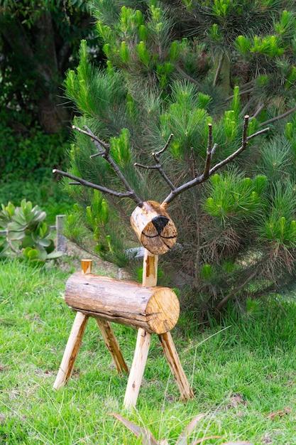 Handicraft wooden reindeer for christmas decoration Premium Photo