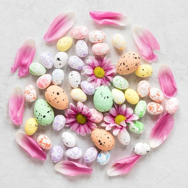 수제 다채로운 부활절 달걀 무료 사진