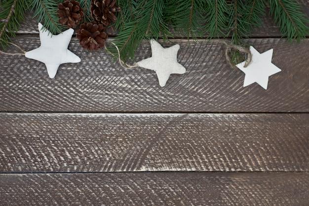 木製のテーブルに手作りの星 無料写真