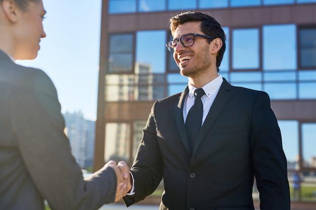 Handshake of partners Free Photo