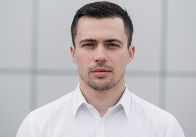Handsome business man posing front view Free Photo