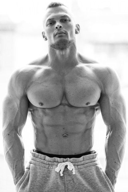 Handsome man with sexy body Free Photo