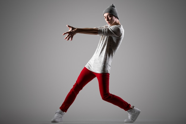 Handsome young dancer Free Photo