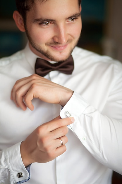 Hansome groom at home Premium Photo