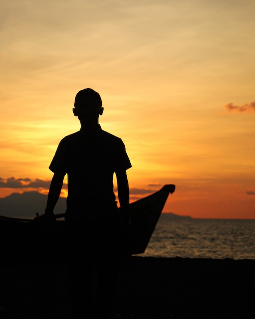 Happiness at sunset Premium Photo