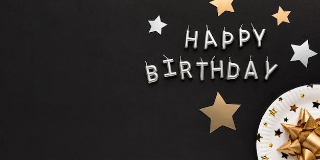 С днем рождения сообщение с копией пространства Premium Фотографии
