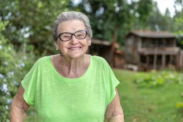Happy brazilian elderly farmer. Premium Photo