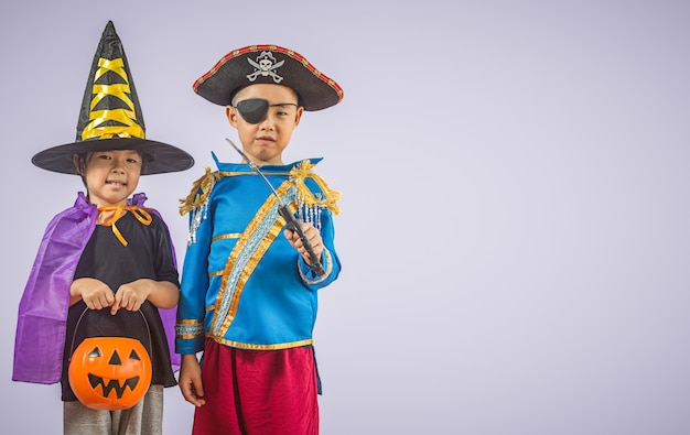 Happy brother and sisters on halloween Premium Photo
