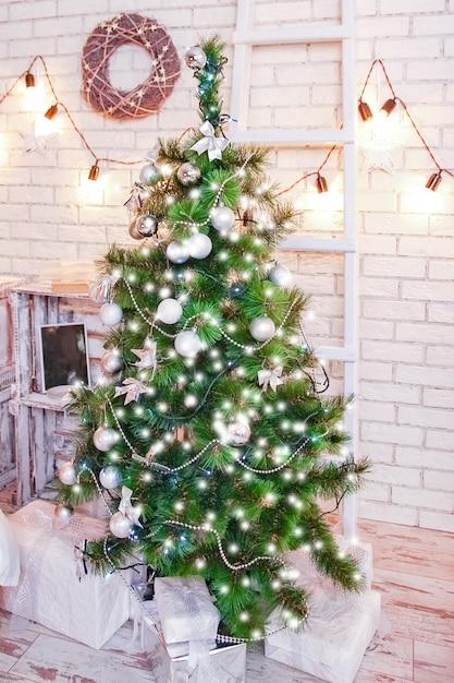 해피 크리스마스 하우스 배경 프리미엄 사진