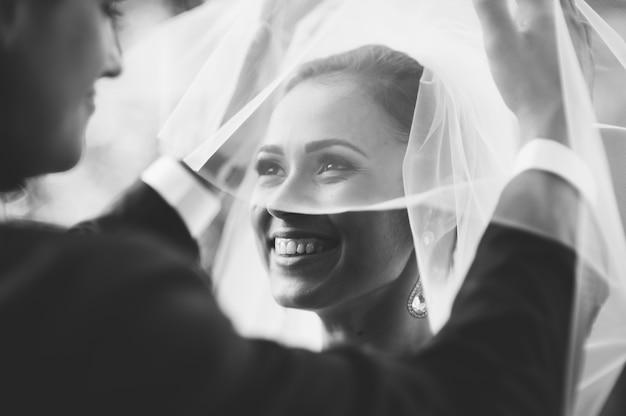 Happy couple on wedding day. bride and groom Premium Photo