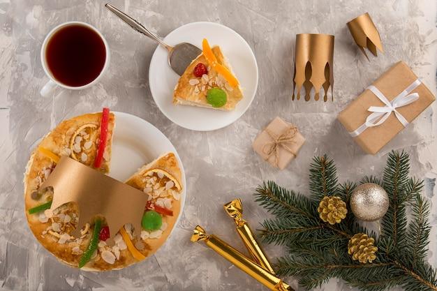 Felice epifania gustoso cibo vista dall'alto Foto Gratuite
