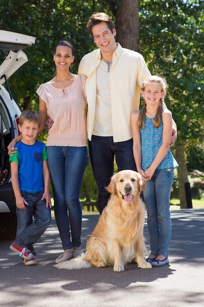 행복 한 가족 여행 준비 프리미엄 사진