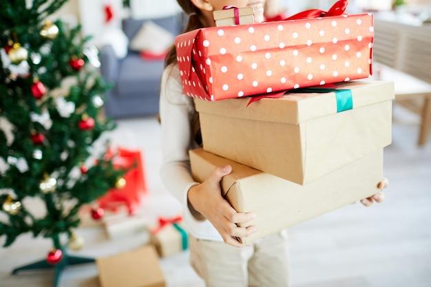 크리스마스 선물 행복 한 여자 무료 사진