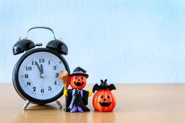 Счастливый день хэллоуина с 31 октября. концепция trick and treat Premium Фотографии