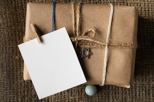 Счастливый ханукальный подарок с копией космической бумаги Бесплатные Фотографии