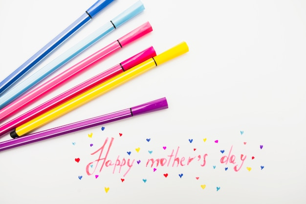Happy mothers day inscription with colorful felt pens Free Photo