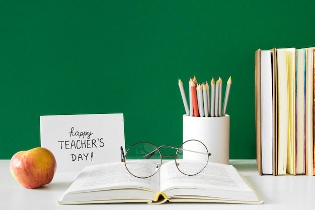 Счастливый день учителя, вид спереди Premium Фотографии