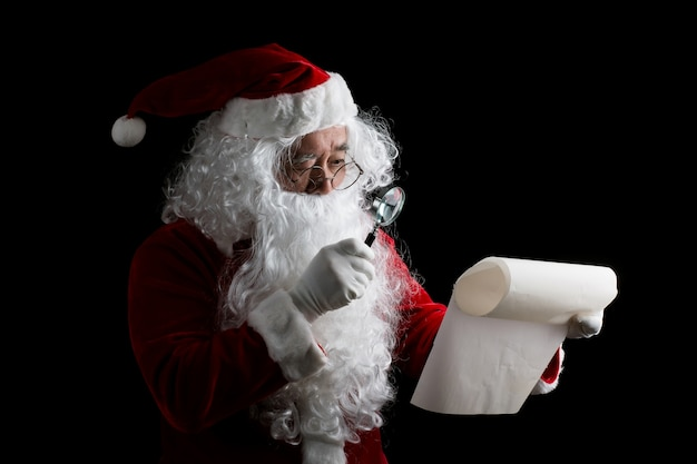 Happy traditional santa claus isolated on background Free Photo