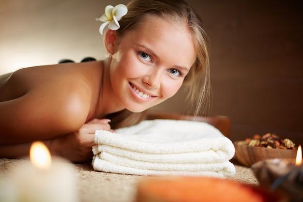 Hot stone massage description and benefits-3948