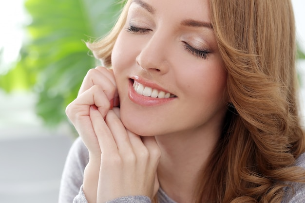 Happy woman with beautiful smile Free Photo