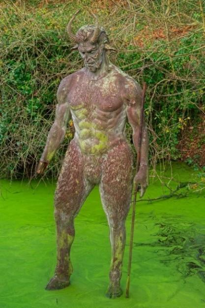 Черт с отверстием статуя hdr Бесплатные Фотографии