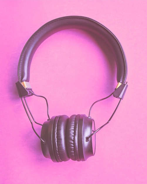 Headphones on colorful background Premium Photo