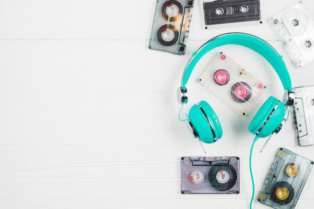 Headphones and tapes cassettes Free Photo
