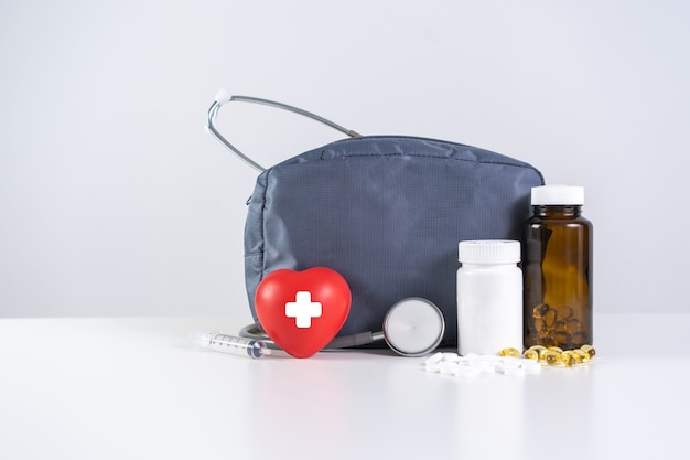 Health insurance health and safety modern medical Premium Photo