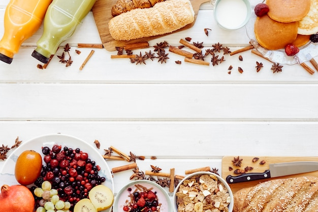 Healthy breakfast concept with space Free Photo