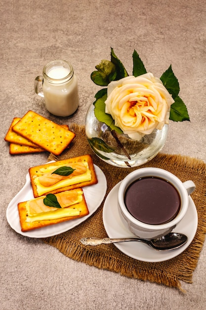 https://image.freepik.com/free-photo/healthy-breakfast-cup-coffee-black-tea-milk-crackers-with-butter-salmon_164638-9450.jpg