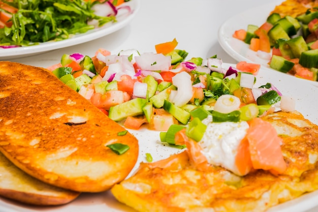 Healthy breakfast with vegetables Free Photo