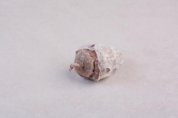 白い背景の上の健康的なドライフルーツ。高品質の写真 無料写真