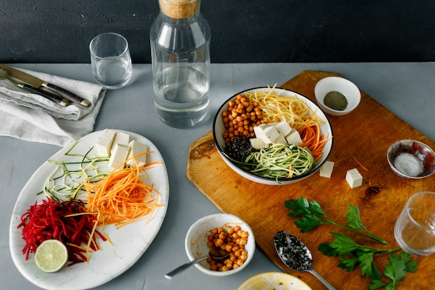 Healthy food clean eating cooking bowl buddha spiralized vegetables Premium Photo