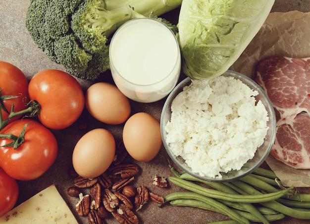 素朴なテーブルの健康食品成分 無料写真
