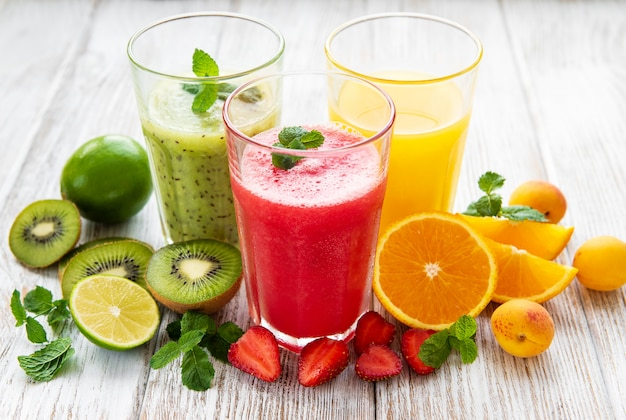 Healthy fruit smoothies Premium Photo
