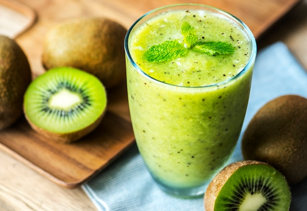 Healthy kiwi smoothie summer recipe Free Photo