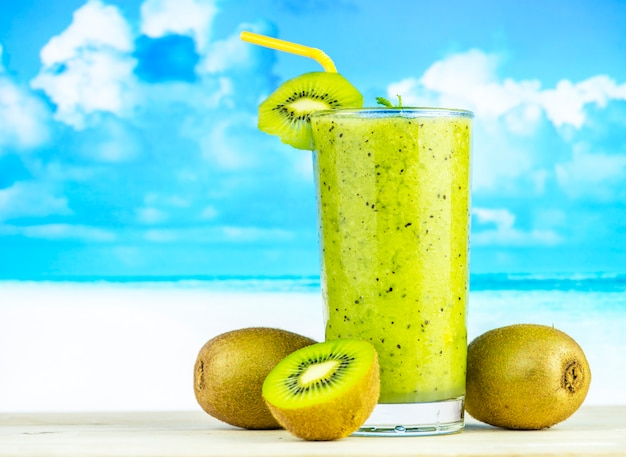 Healthy kiwi smoothie summer recipe Free Photo