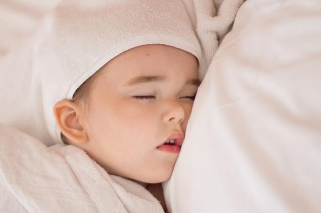 Healthy lifestyle, ivf,baby sleeps Premium Photo