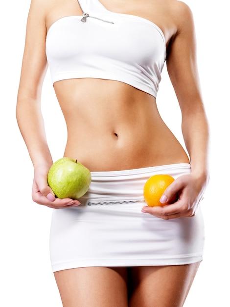 Здоровый образ жизни женщины с стройным телом после диеты. Бесплатные Фотографии